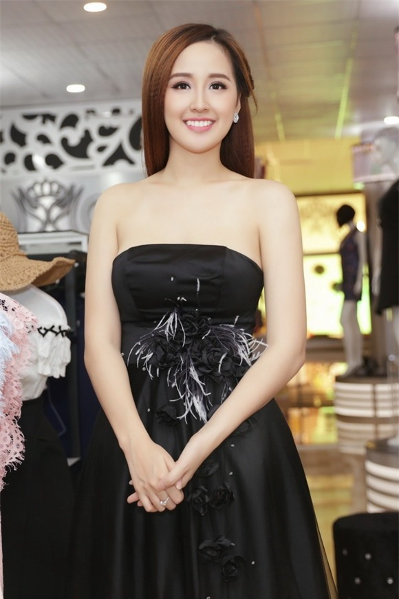 Hoa hậu mai phương thúy,hoa hậu việt nam 2006,mai phương thúy khoe vai trần