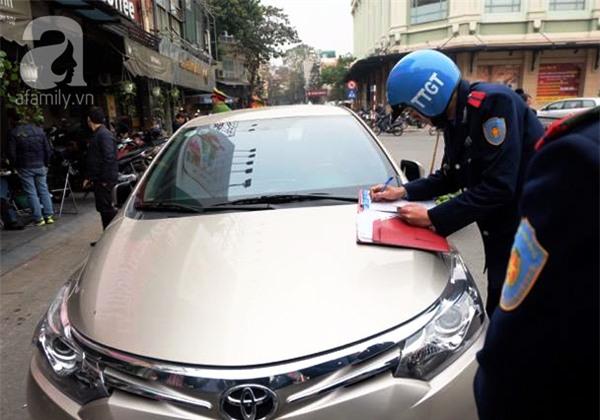 Hà Nội: 1 hộ dân bị xử phạt đến 6 triệu đồng do vứt rác tại vỉa hè - Ảnh 6.