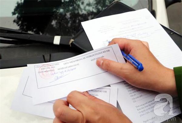 Hà Nội: 1 hộ dân bị xử phạt đến 6 triệu đồng do vứt rác tại vỉa hè - Ảnh 9.