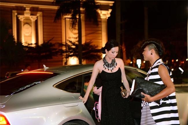 Đã nhiều lần hoa hậu Thu Hoài đến dự sự kiện bằng chiếc xe ô tô này, thu hút sự quan tâm của công chúng.