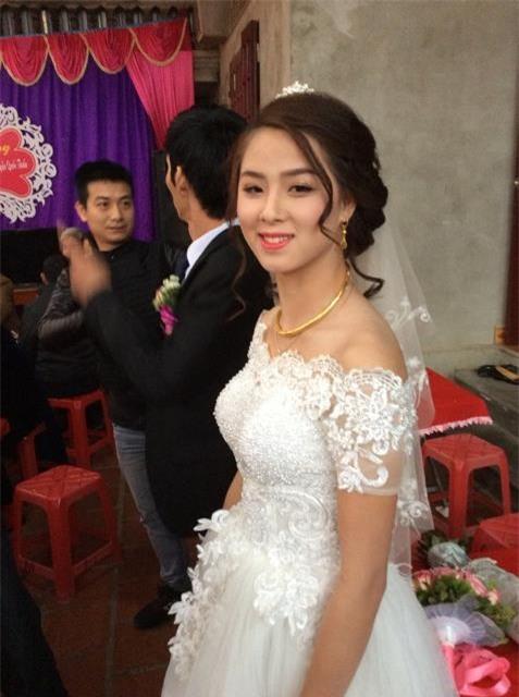 Rung động trước bức ảnh cô dâu khuyết tật phúc hậu, xinh xắn trong ngày cưới - Ảnh 5.
