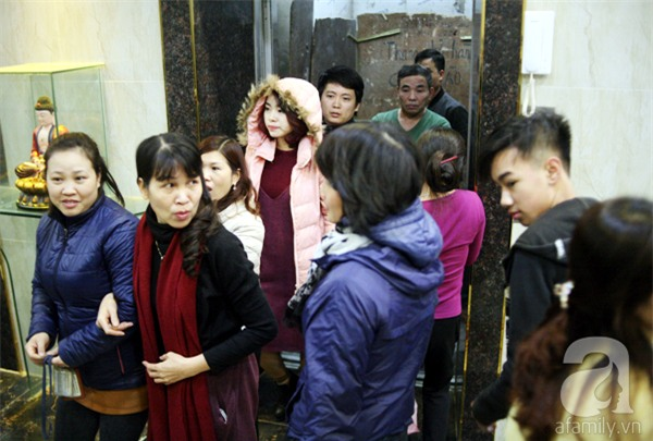 Hà Nội: Bị cắt nước 8 ngày không báo trước, cư dân chung cư khốn đốn vì không có cả nước dội bồn cầu - Ảnh 1.