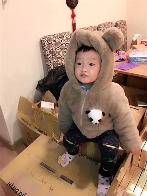 ong bo ba dao voi man cho con trai an keo dang hot nhat mang xa hoi - 9