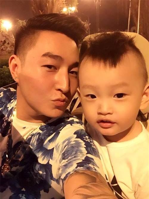 ong bo ba dao voi man cho con trai an keo dang hot nhat mang xa hoi - 8