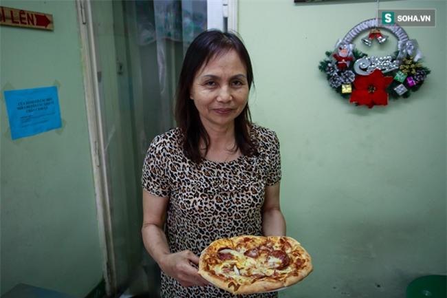 Vợ cố nghệ sĩ Hán Văn Tình bán nước ép trang trải cuộc sống - Ảnh 16.
