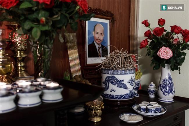 Vợ cố nghệ sĩ Hán Văn Tình bán nước ép trang trải cuộc sống - Ảnh 4.