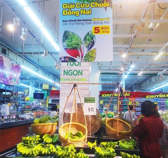 Chen nhau mua chuoi 'ban khong lai' gia 5.900 dong/kg hinh anh 1