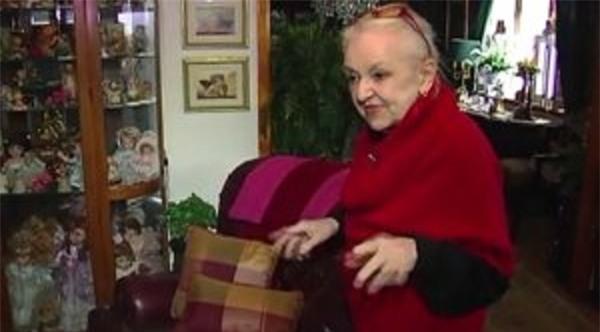 Cụ bà 71 tuổi giảm được 80kg trong một ngày vì lý do bất ngờ - Ảnh 2.
