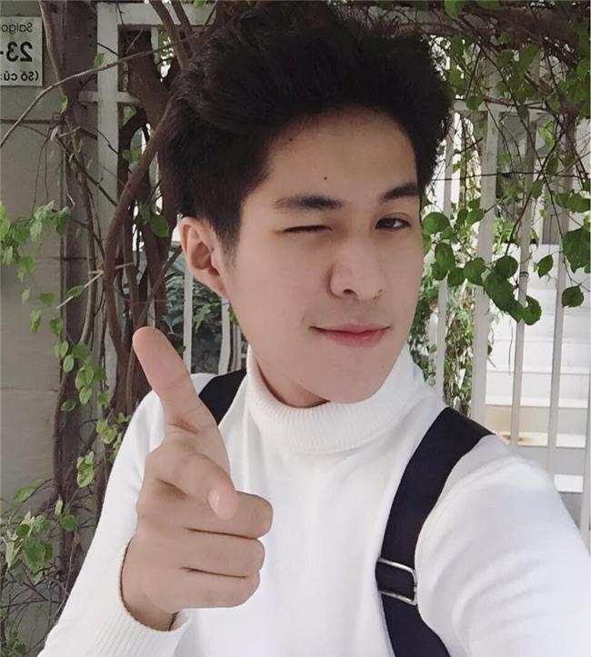 Chang trai Viet co biet danh 'Nam than hoc duong' hinh anh 2