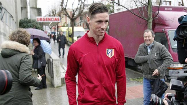 NÓNG: Những hình ảnh đầu tiên của Torres sau chấn thương - Ảnh 3.