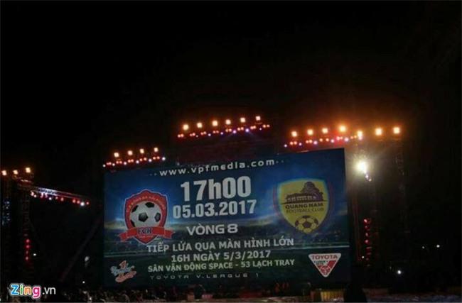 CĐV Hải Phòng vất vả xem bóng đá ngày VFF treo sân Lạch Tray - Ảnh 5.