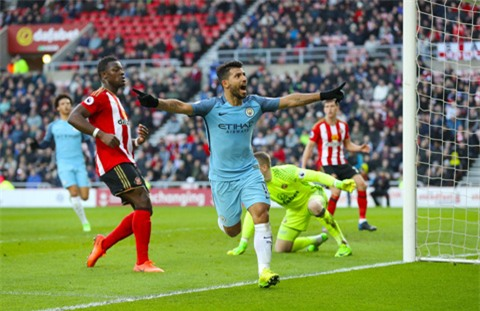 Aguero ghi bàn mở tỷ số cho Man City