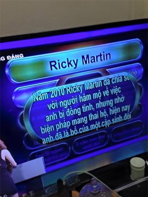 Chương trình Vì bạn xứng đáng gây tranh cãi khi cung cấp thông tin Ricky Martin bị đồng tính cho người chơi - Ảnh 2.