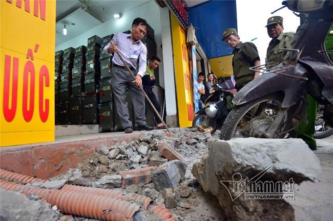 vỉa hè, tham nhũng vỉa hè, lấn chiếm vỉa hè, quận 1, chủ tịch Hà Nội, Nguyễn Đức Chung