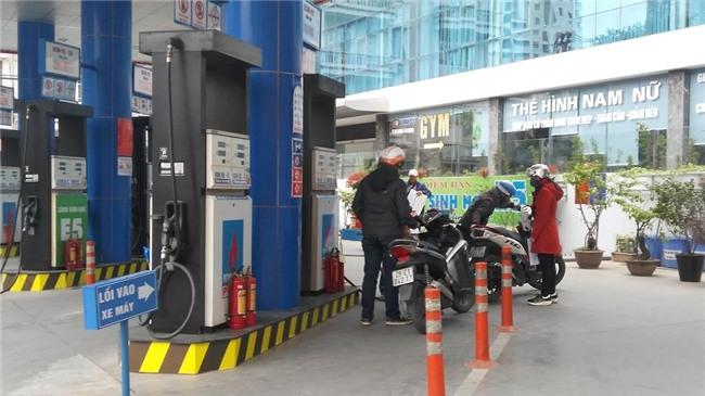 giảm giá xăng, giá xăng ngày 6/3, điều chỉnh giá xăng dầu