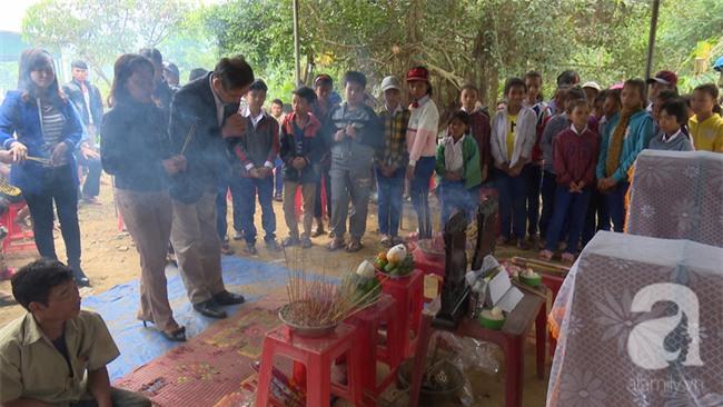 Quảng Trị: Ba học sinh rủ nhau ra suối bắt cá, 2 em tử vong, 1 em cấp cứu vì ăn trứng cóc - Ảnh 1.