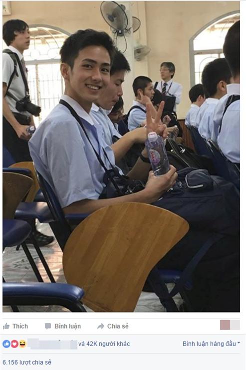 Nam sinh 16 tuổi và khoảnh khắc trong lớp gây bão mạng xã hội Việt - Ảnh 1.