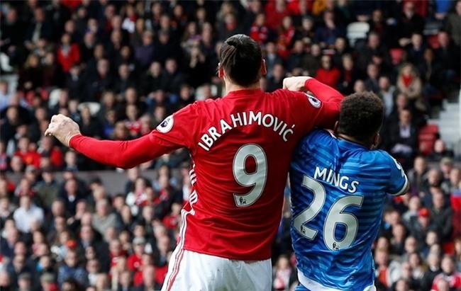 Ibrahimovic bi cam 3 tran: Hoa day, nhung phuc day hinh anh 1