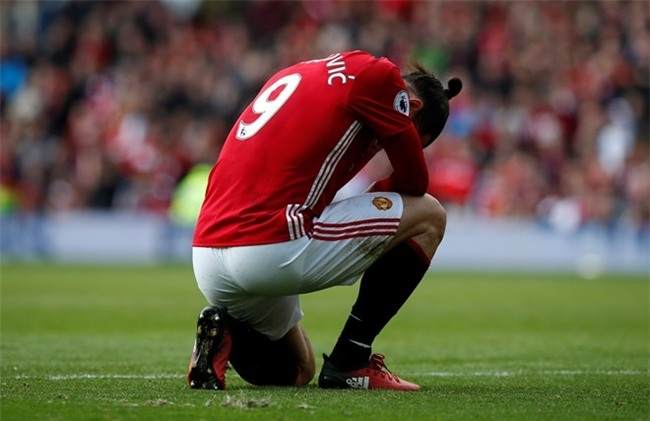 Ibrahimovic bi cam 3 tran: Hoa day, nhung phuc day hinh anh 2