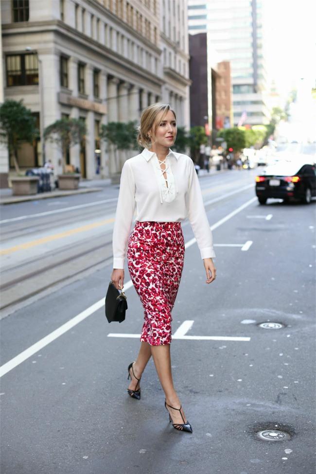 Gợi ý mix đồ đẹp đủ mọi đường với 5 thiết kế chân váy midi quen thuộc - Ảnh 11.