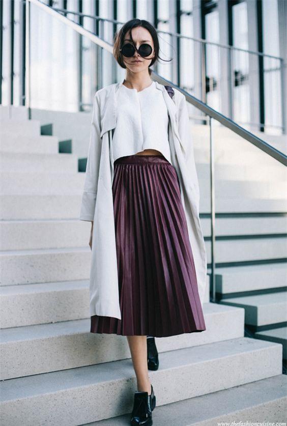 Gợi ý mix đồ đẹp đủ mọi đường với 5 thiết kế chân váy midi quen thuộc - Ảnh 2.
