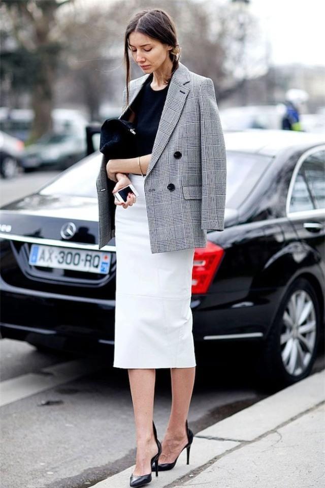Gợi ý mix đồ đẹp đủ mọi đường với 5 thiết kế chân váy midi quen thuộc - Ảnh 9.