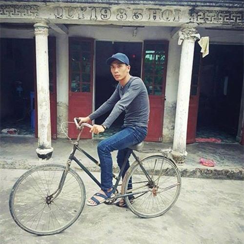 """cai ket """"vui khong tuong"""" cua chang trai mo mot lan duoc deo ngoc trinh - 1"""