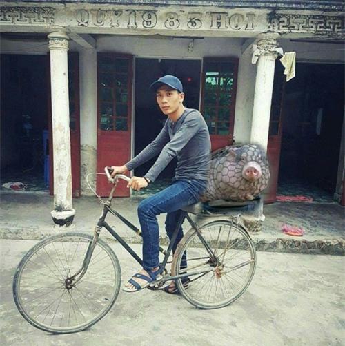 """cai ket """"vui khong tuong"""" cua chang trai mo mot lan duoc deo ngoc trinh - 13"""