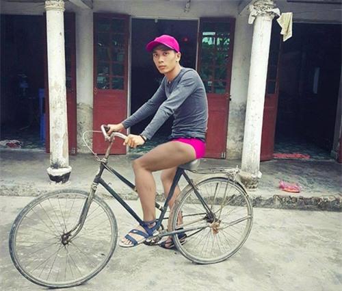 """cai ket """"vui khong tuong"""" cua chang trai mo mot lan duoc deo ngoc trinh - 16"""