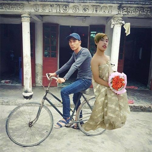 """cai ket """"vui khong tuong"""" cua chang trai mo mot lan duoc deo ngoc trinh - 5"""