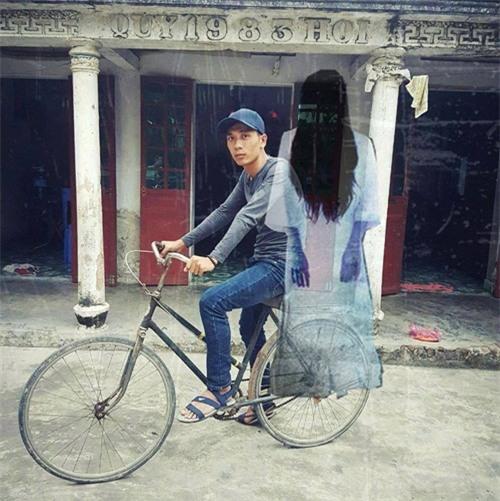 """cai ket """"vui khong tuong"""" cua chang trai mo mot lan duoc deo ngoc trinh - 8"""