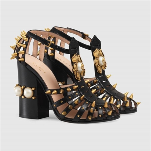 Hồ Ngọc Hà, Hà Hồ sưu tập giày dép,  bộ sưu tập giày dép củaHồ Ngọc Hà, giày dép của Hà Hồ
