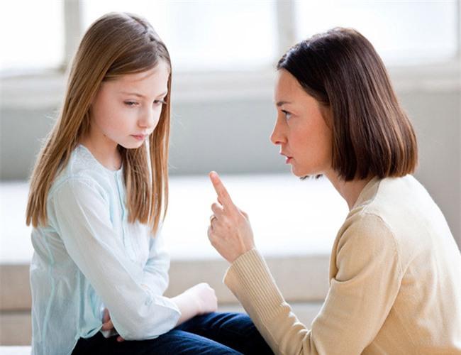 Đừng tát khi con bảo: Con ghét mẹ mà hãy nói 2 câu thần chú đầy hiệu quả này - Ảnh 1.
