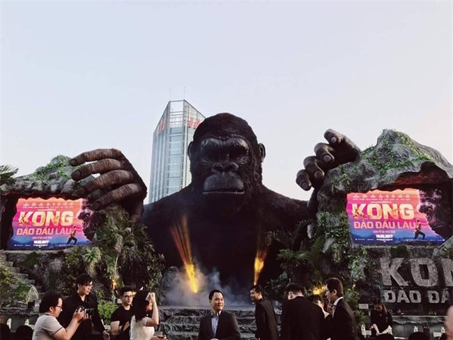 Mô hình Kong giá hơn 1 tỷ đồng còn lại trơ khung sau đám cháy lớn tại buổi ra mắt - Ảnh 1.