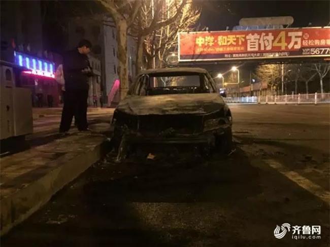 Xe đột ngột bốc cháy, bố quỳ khóc giữa đường vì chỉ biết trơ mắt nhìn con gái 2 tuổi bị thiêu rụi - Ảnh 9.