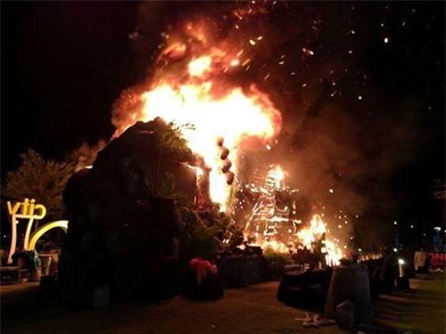 Nguyên nhân 'bà hỏa' thiêu rụi sân khấu 1 tỷ ngày ra mắt 'Kong: Skull Island'  ảnh 8