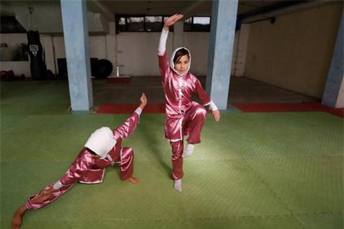 """Ẩn mình ở """"Tuyệt tình cốc"""", mỹ nữ luyện kung-fu - 6"""