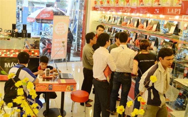 vụ trộm ở cửa hàng FPT Nguyễn Sơn, bảo vệ trộm tài sản 1,5 tỷ đồng của cửa hàng FPT, trộm cửa hàng ở quận Tân Phú