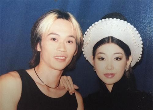"""Ca sĩ Hà My: """"Hoài Linh yêu tôi khi đã có vợ"""" - 2"""