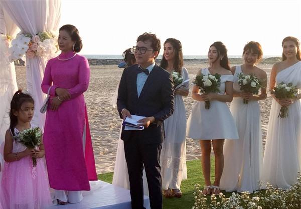 """Diễn viên """"Cổng mặt trời"""" Nguyệt Ánh và chồng Ấn Độ làm đám cưới lãng mạn trên biển - Ảnh 3."""