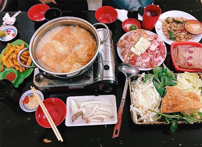 6 quán ăn bình dân mà ngon miễn bàn ở khu phố Hàng Nón - Hàng Lược - Ảnh 2.