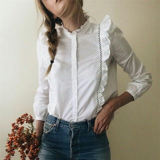 Sơmi trắng: chiếc áo vốn khô khan, nghiêm túc đang tự F5 mình bằng những cách điệu thú vị - Ảnh 17.