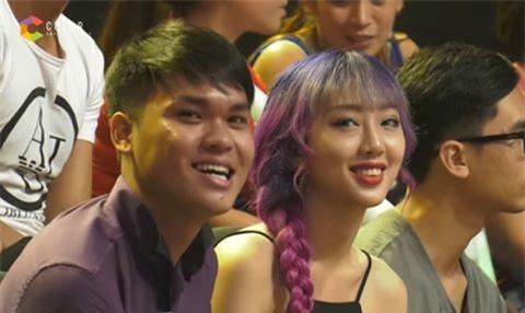Cô gái tóc tím được tìm kiếm sau chương trình Giọng ải giọng ai - Ảnh 1.