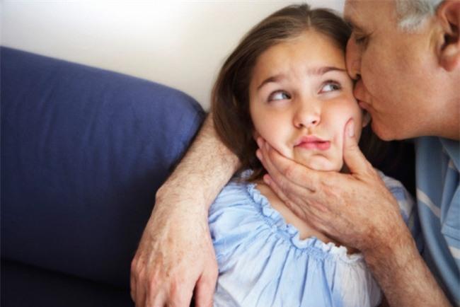 Đừng chần chừ nữa, bố mẹ PHẢI ĐỌC NGAY để con không bị xâm hại tình dục - Ảnh 4.
