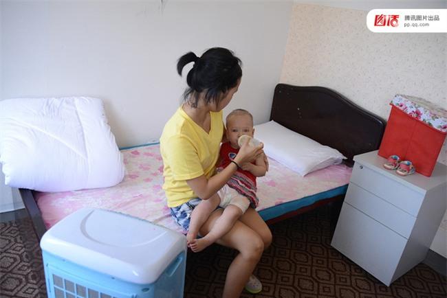 Câu chuyện thương tâm của những cô bé buộc phải làm mẹ trẻ con khi còn chưa kịp trưởng thành - Ảnh 13.