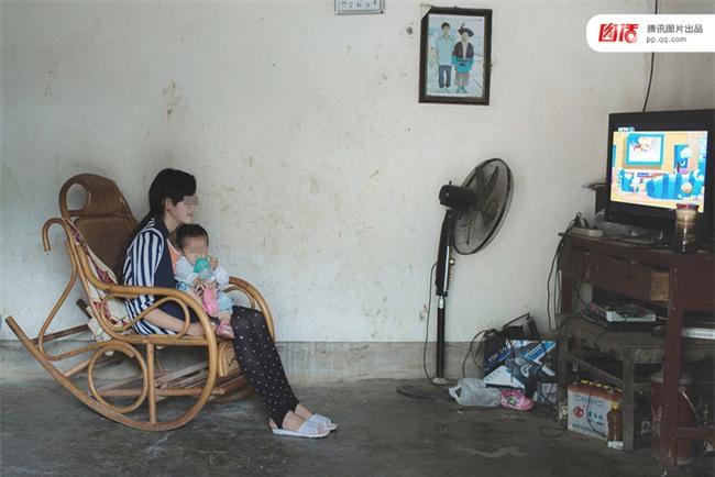 Câu chuyện thương tâm của những cô bé buộc phải làm mẹ trẻ con khi còn chưa kịp trưởng thành - Ảnh 5.