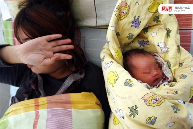 Câu chuyện thương tâm của những cô bé buộc phải làm mẹ trẻ con khi còn chưa kịp trưởng thành - Ảnh 8.