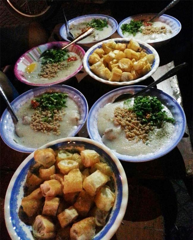 8 quán ăn nhìn tuềnh toàng nhưng ai thử một lần cũng gật gù đáng đồng tiền bát gạo - Ảnh 13.
