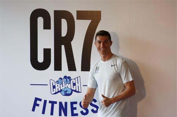 Georgina dính chặt Ronaldo sau tin đồn CR7 có con sinh đôi - Ảnh 2.