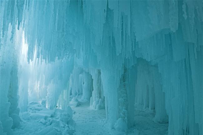 16 hang động sở hữu vẻ đẹp hùng vĩ và lộng lẫy đến khó tin của thế giới - Ảnh 12.